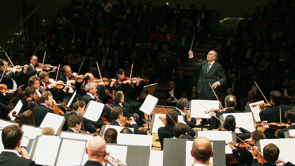 Claudio Abbado dirigiert Mendelssohn und Berlioz
