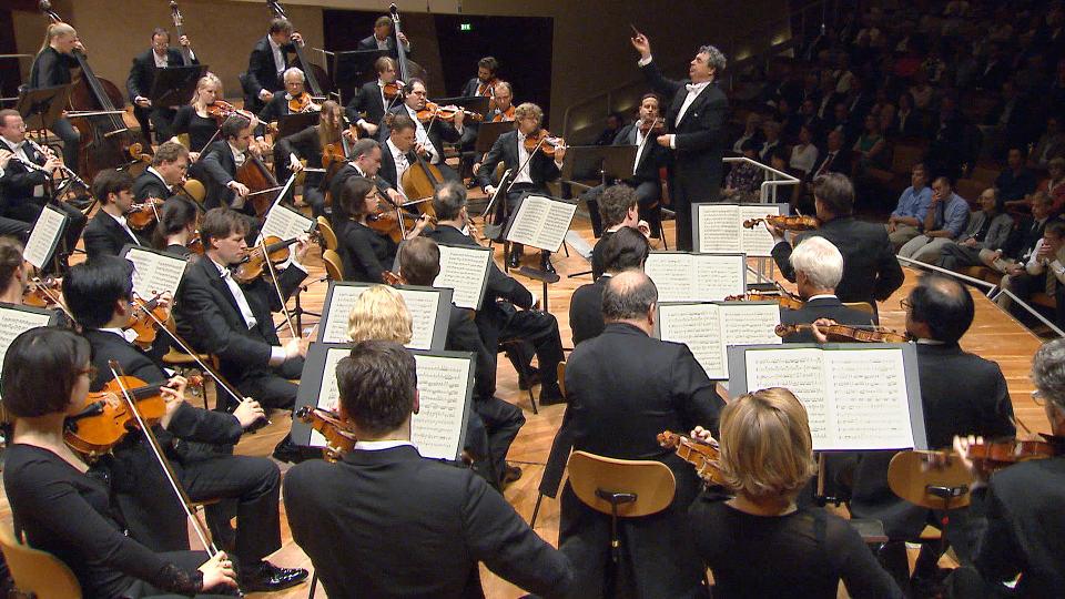 Semyon Bychkov dirigiert Strauss und Schubert