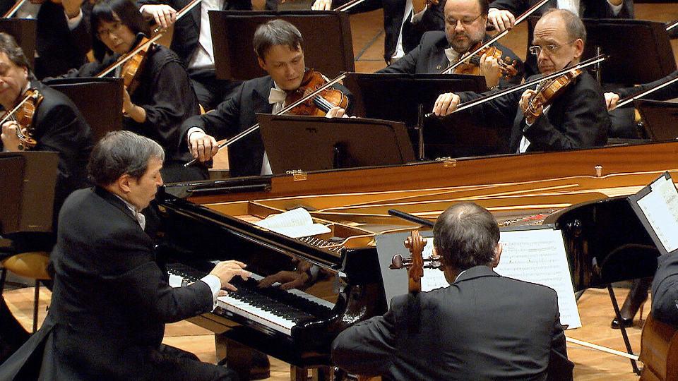 Murray Perahia mit Werken von Mozart und Schubert