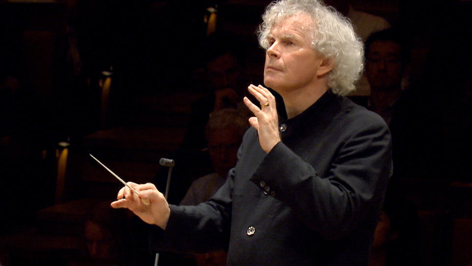 Sir Simon Rattle dirigiert Brittens »War Requiem«