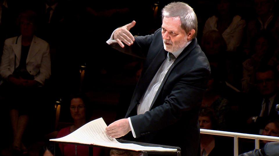Peter Eötvös dirigiert die Uraufführung seines Cello Concerto Grosso